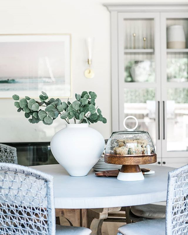 Our San Clemente Project is up on our website! Go check out the whole project on Rosewoodinteriors.com. Link in profile #rosewoodinteriorsdesigns