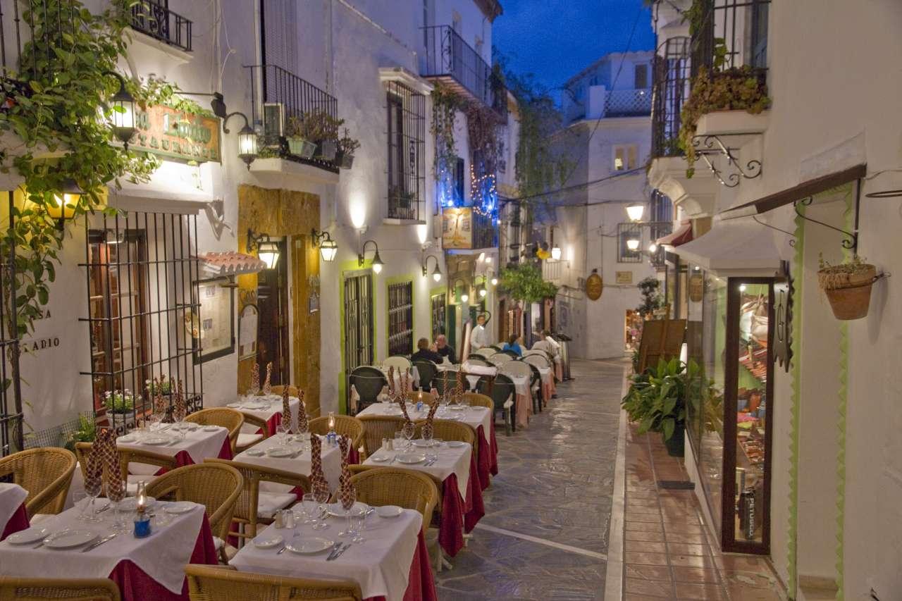 marbella-old-town-at-night11.jpg