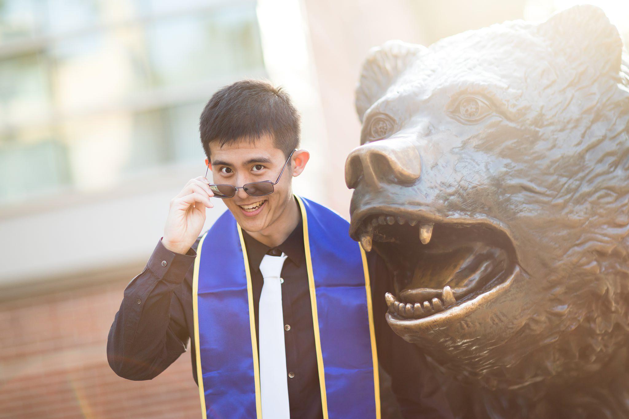 los-angeles-ucla-senior-graduation-portraits-at-bruin-bear-looking-over-glasses