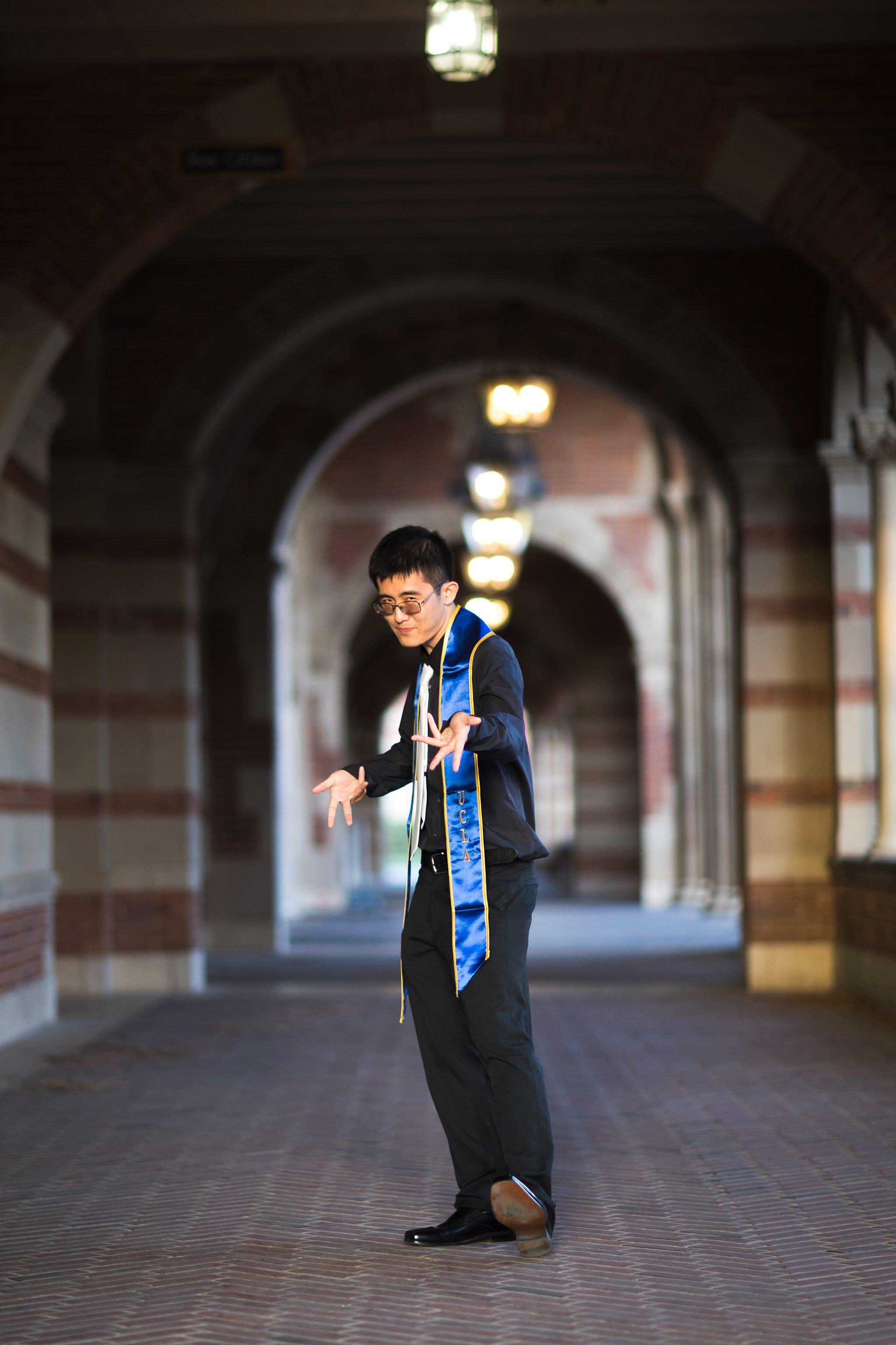 los-angeles-ucla-senior-graduation-portraits-royce-hall-arches