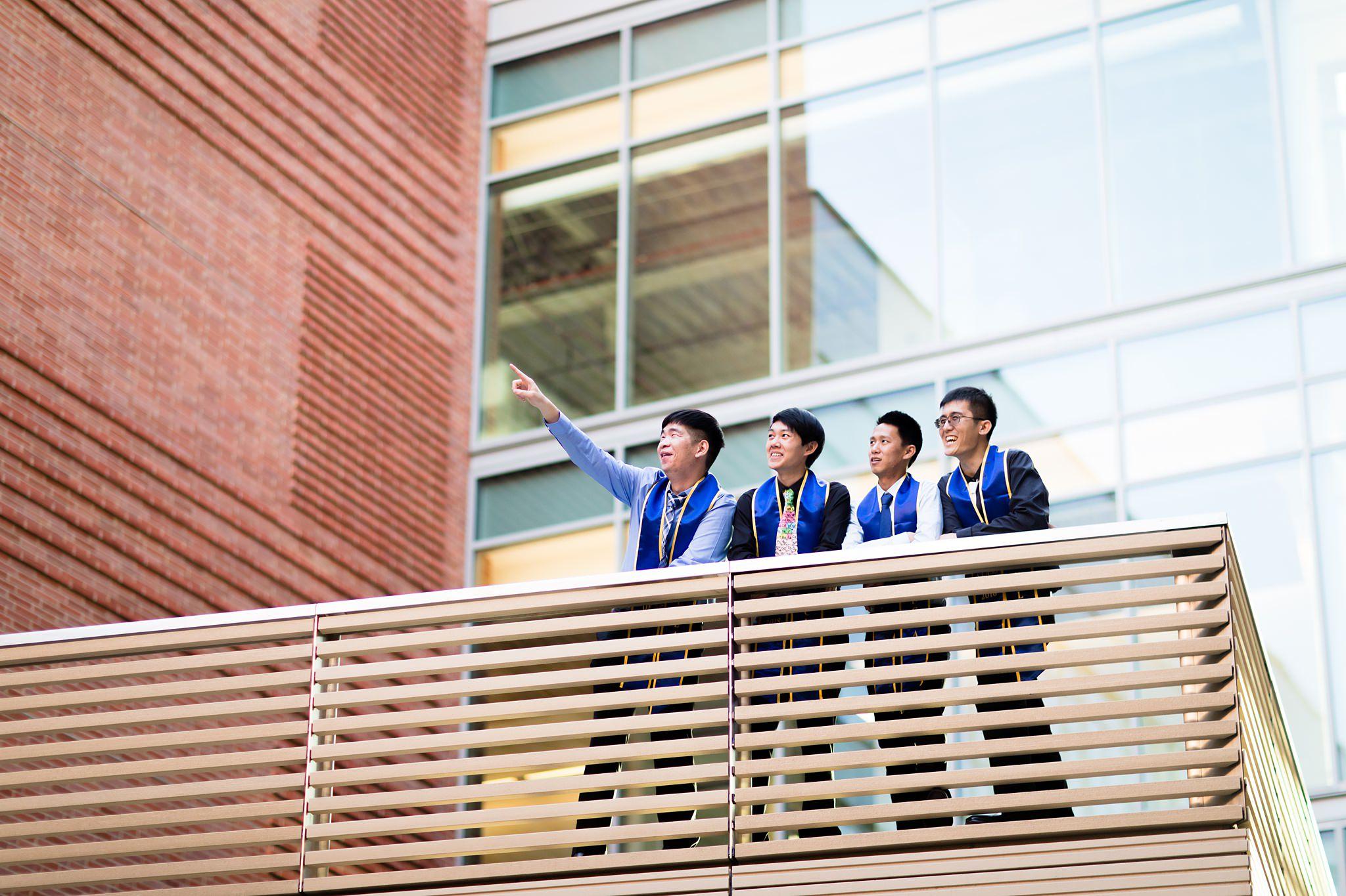 los-angeles-ucla-senior-graduation-portraits-epic-environmental-candid-laughing-friends