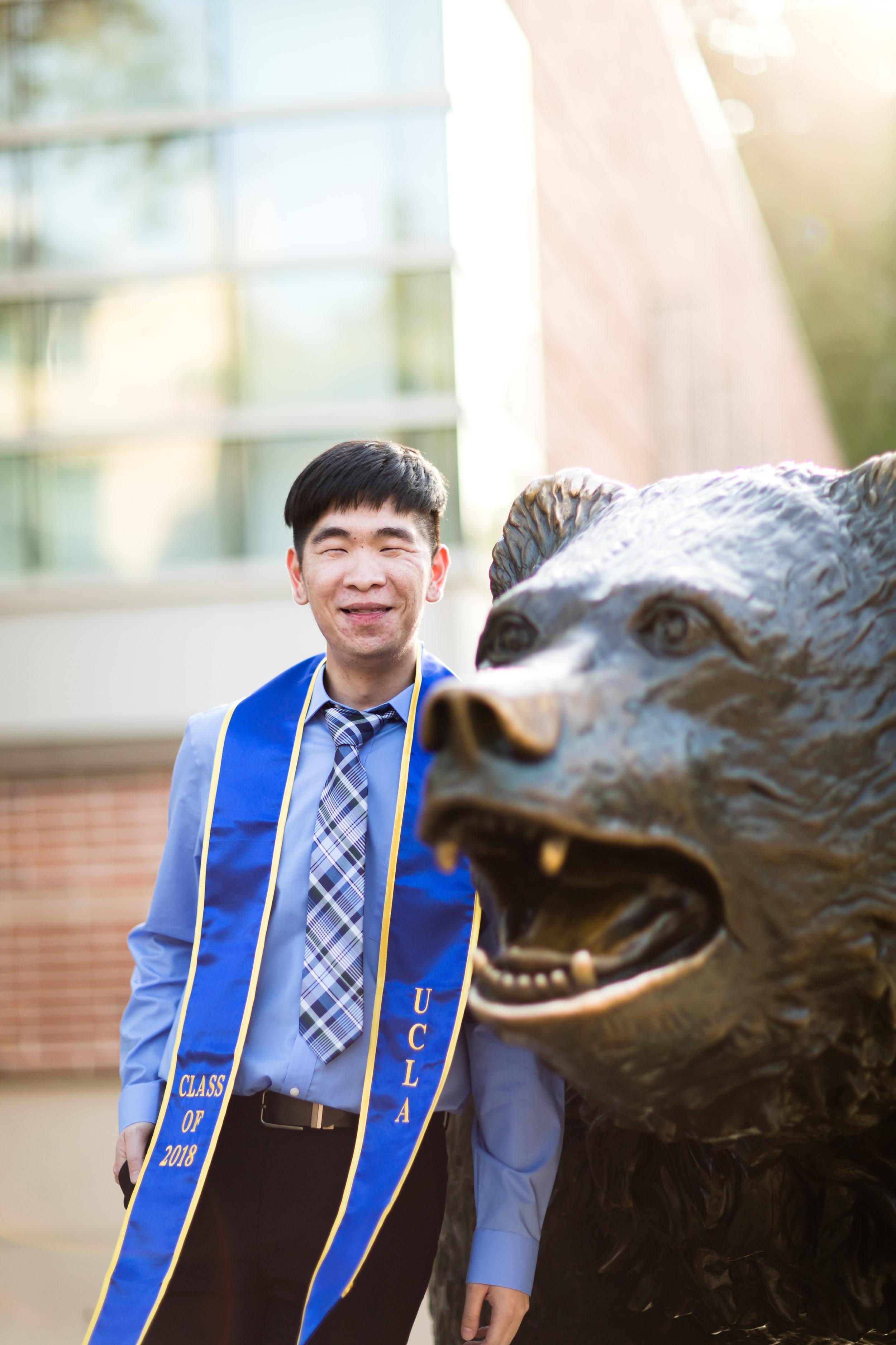 los-angeles-ucla-senior-graduation-portraits-bruin-bear-beautiful-light