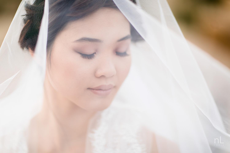 joshua-tree-engagement-wedding-elopement-photography-stylized-photoshoot-bridal-portrait-with-veil