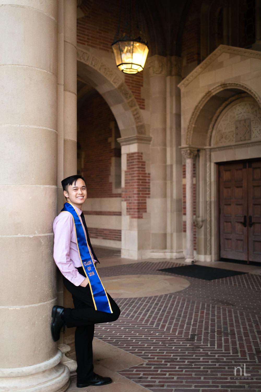 los-angeles-ucla-senior-graduation-portraits-royce-hall-doors-and-pillars
