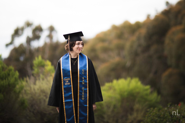san-diego-la-jolla-ucsd-senior-graduation-portraits-8629.jpg