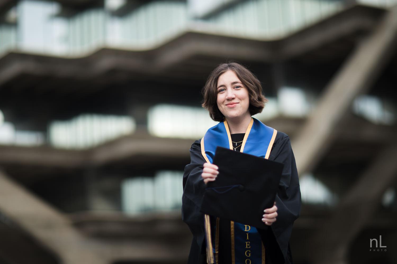 san-diego-la-jolla-ucsd-senior-graduation-portraits-8749.jpg