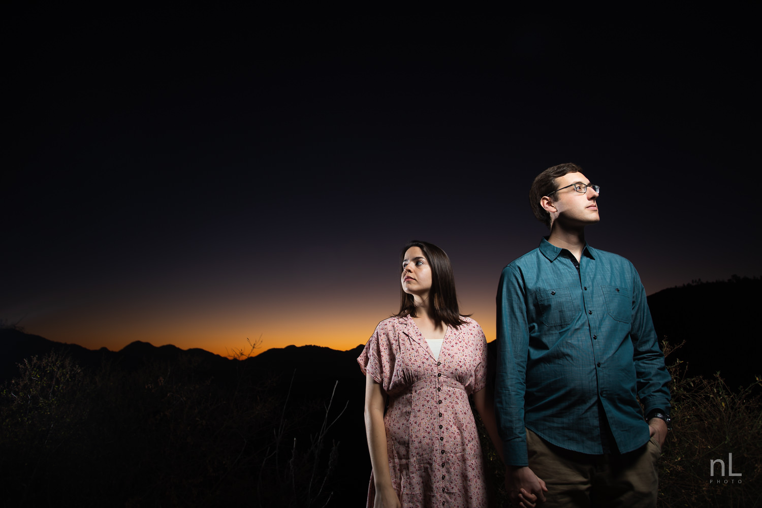 los-angeles-national-forest-engagement-photography-couple-at-dusk-epic-flash
