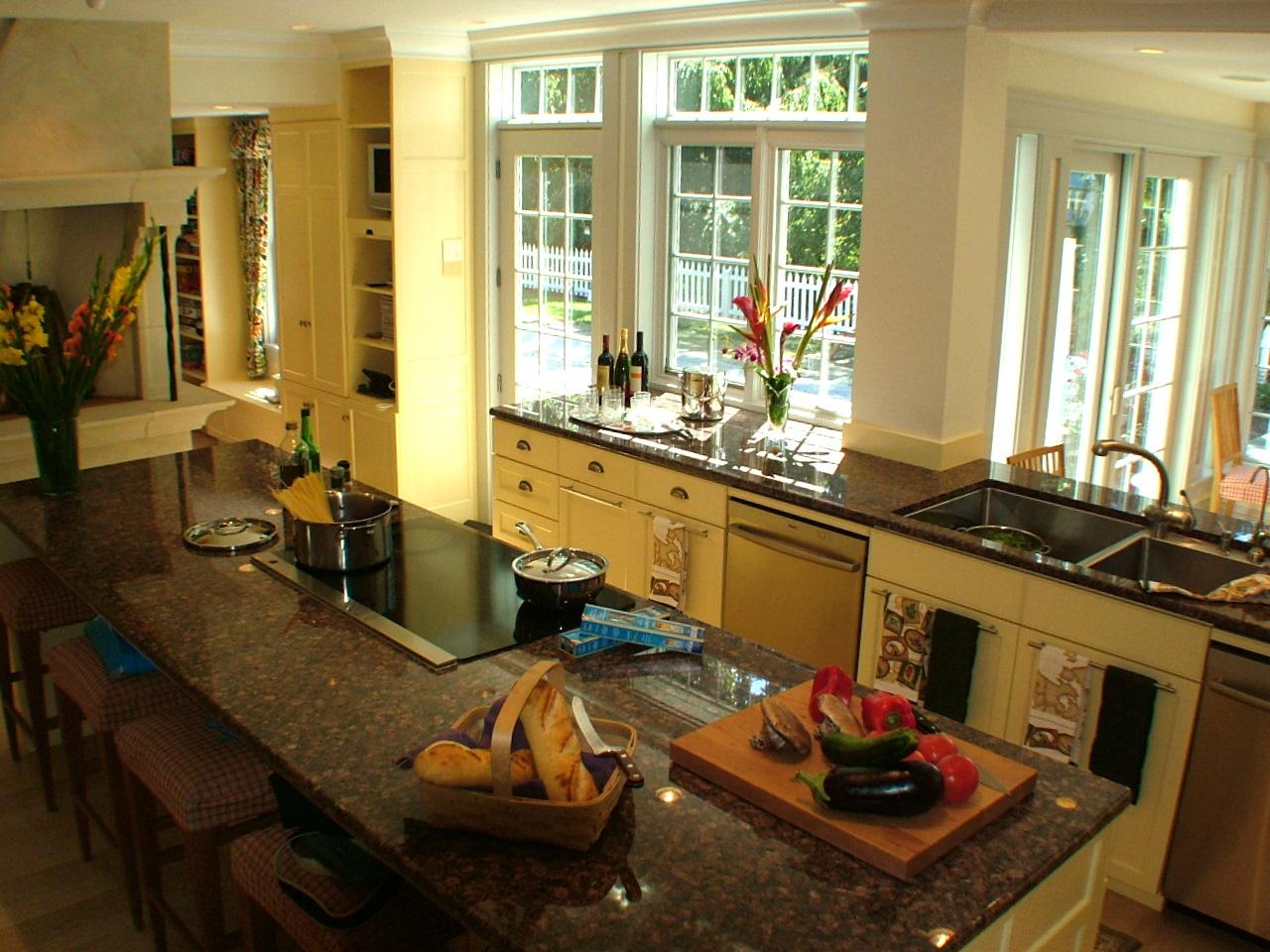 46 Kitchen.JPG