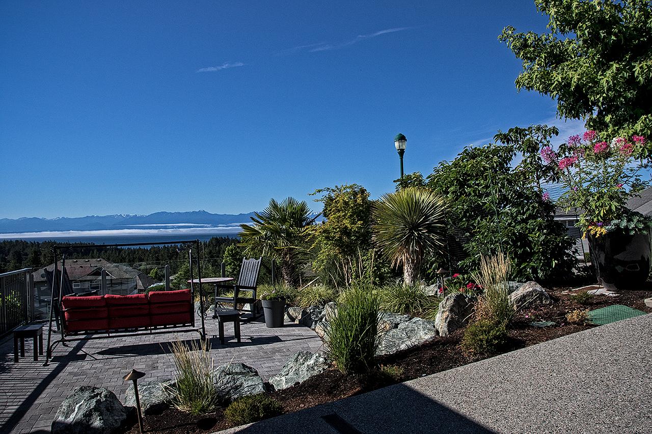 Cliffside garden-MustangLandscape-Victoria-BC-garden-14.jpg