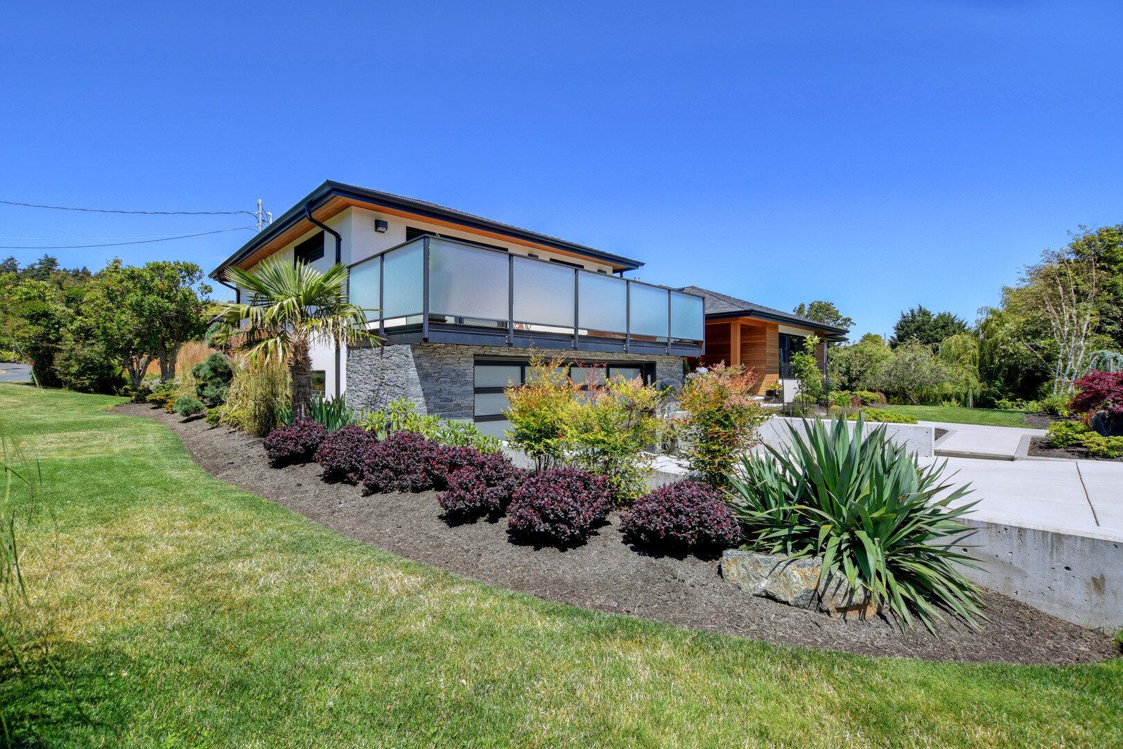 West Coast Living Mustang Landscape Design