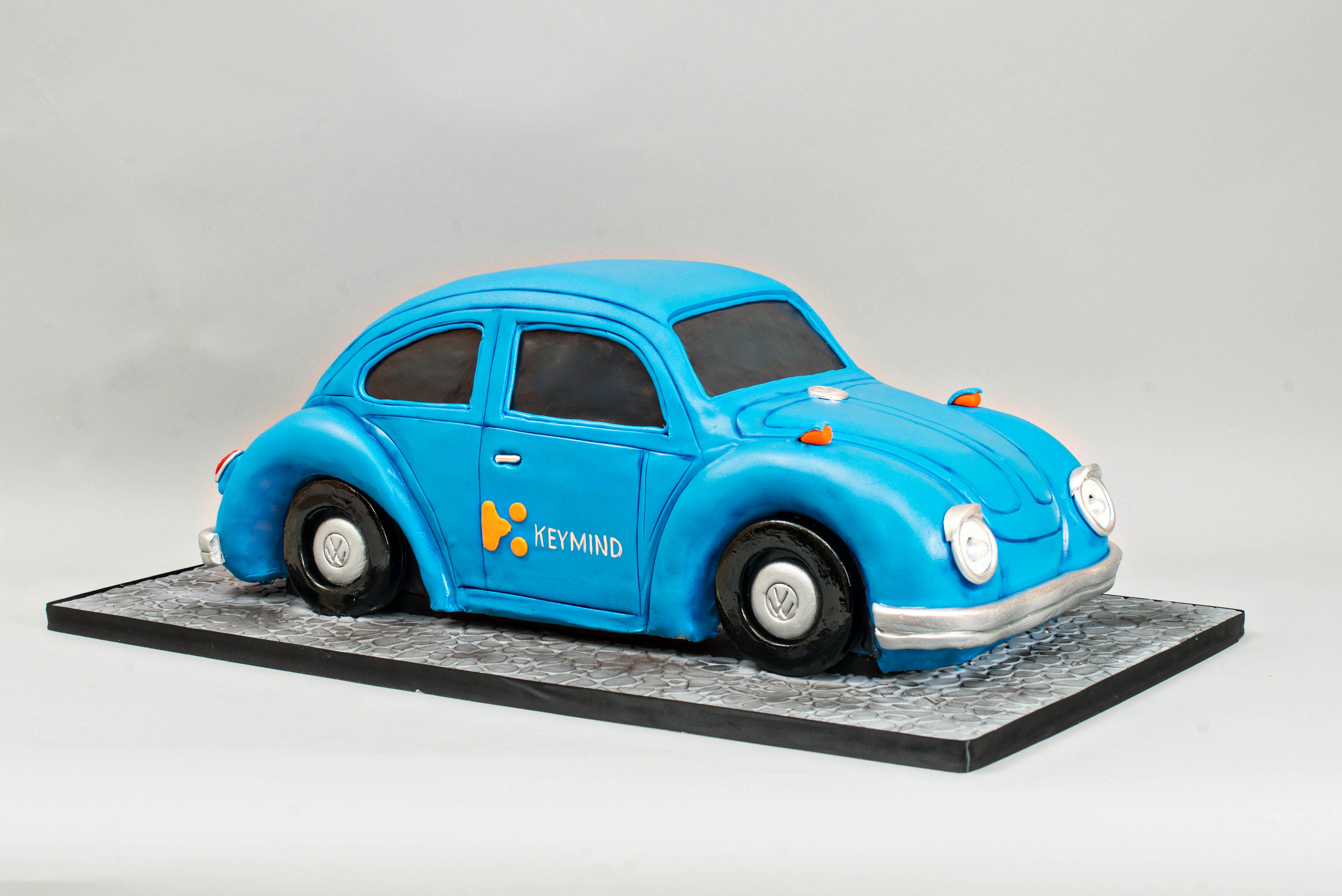 Volkswagon-Beetle-Car-Cake-Blue-Lace-Cakes.jpg