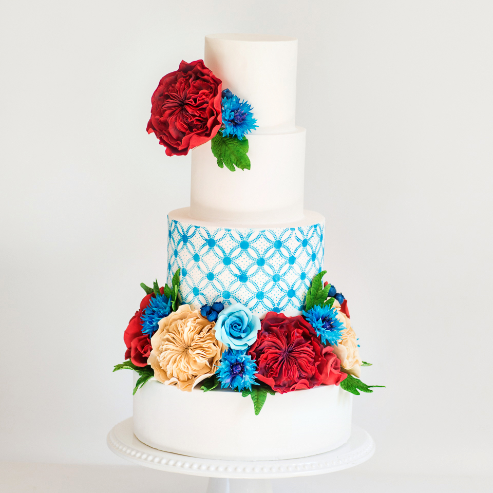 Red, white, and blue, summer wedding cake with sugar flowers