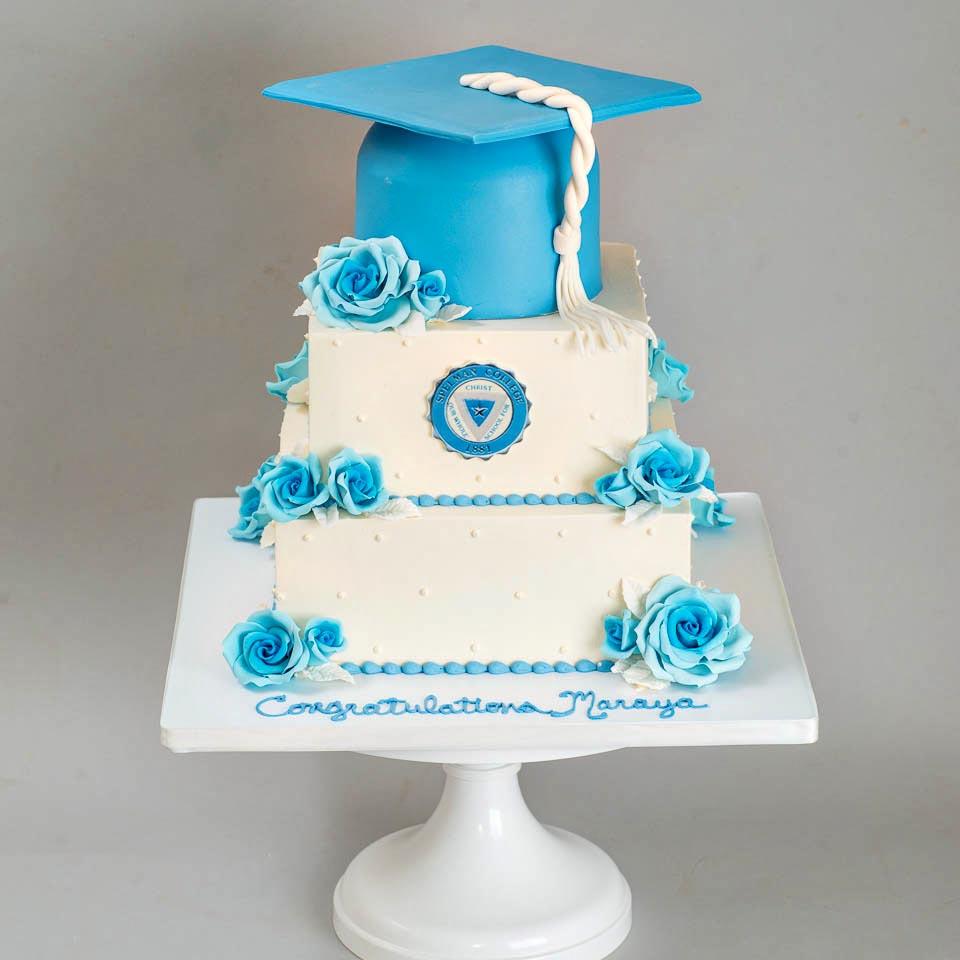 Spelman-Graduation-cake-blue-roses-1.jpg