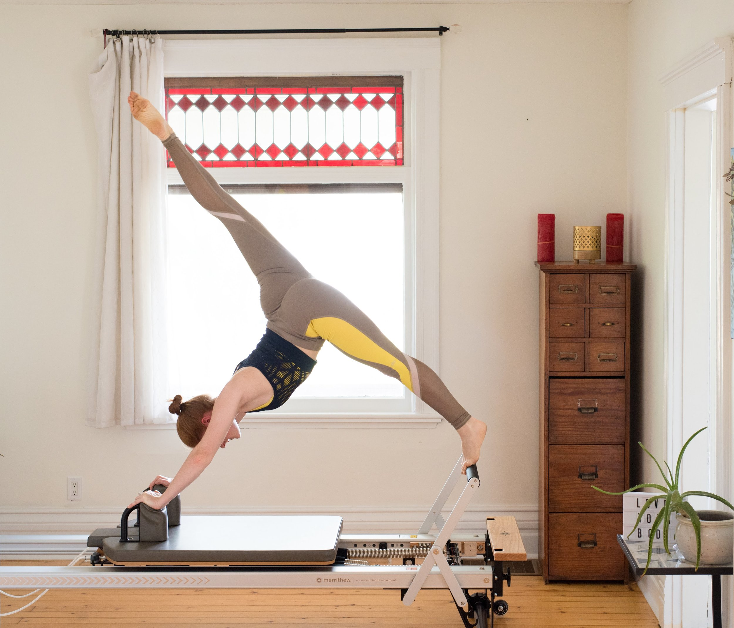 Pilates Vs Yoga Niki Carr Press Play Physiotherapy And Pilates