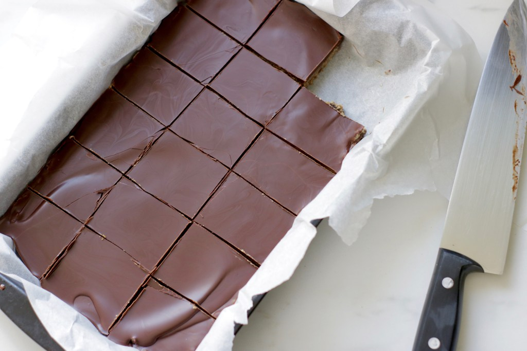 Chocolate-Almond-Butter-Protein-Bars-cuttray-1.jpg