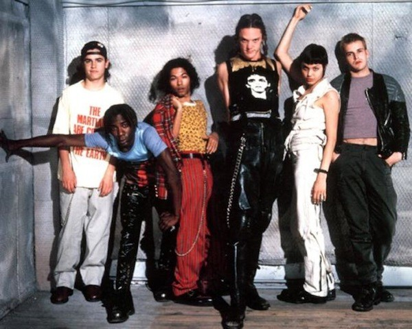 Nor so much grunge as...cyber! Matthew Lillard's look is pretty epic, and also shows the popularity of DIYing t-shirts, a trend that would surge into the early 2000s. Also, this shows how all the dudes were really butched up on the move poster above.