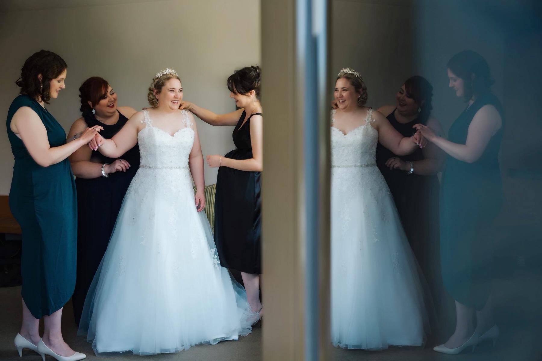 real-weddings-bride-fiona-white-dress-bridesmaids