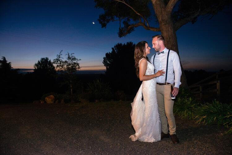 real-weddings-bride-groom-laura-dusk
