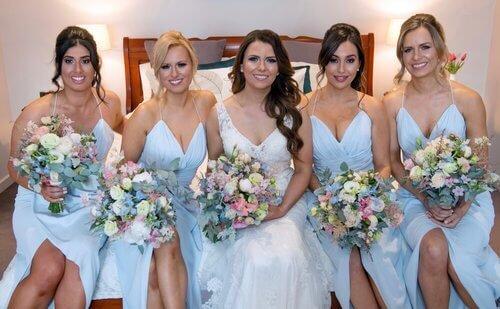 real-weddings-bride-laura-bridesmaids