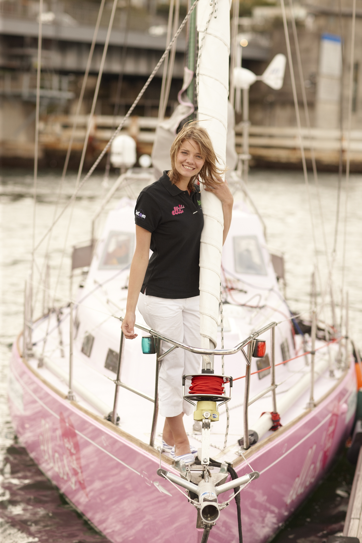 Jessica Watson - Completed a solo circumnavigation of the southern hemisphere at age 16