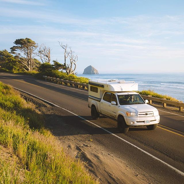 Who's headed to the coast on this hot sunny weekend?🌞 #wexpeditions #hwy101 📸:@jeraldmcdermott . . . . . #toyota #truckcamper #overland #weekendvibes #beachtime #oregoncoast #traveloregon #camping #pacificnorthwest #pacificcoasthighway #pacificcoast #summertime #gooutside #outdoorsy #roadtrip #camping #overland #pnwonderland #wildernessculture #summerishere #getoutside