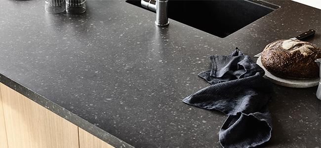 essastone-concrete-bitumen-stone-kitchen.-1.jpg
