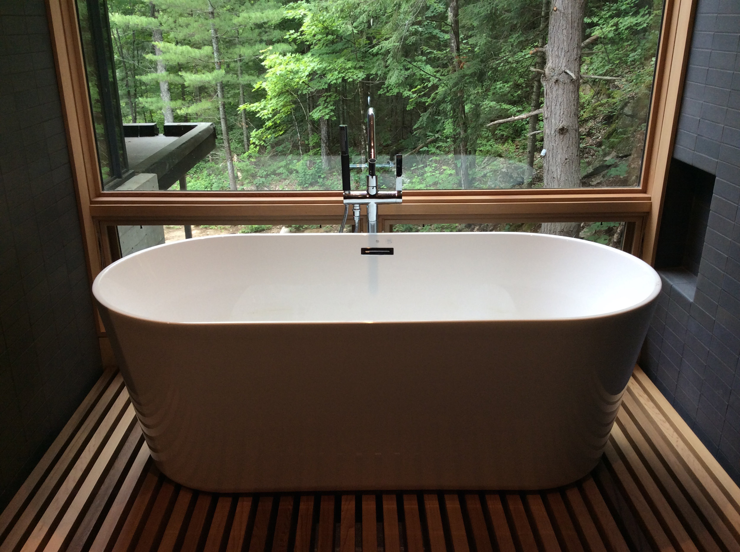 Standalone Tub in the Master Ensuite at The Bear Stand