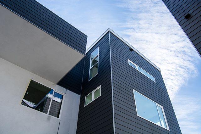 The Bold and the Beautiful.⠀⠀⠀⠀⠀⠀⠀⠀⠀ .⠀⠀⠀⠀⠀⠀⠀⠀⠀ .⠀⠀⠀⠀⠀⠀⠀⠀⠀ .⠀⠀⠀⠀⠀⠀⠀⠀⠀ #light #architecture #design #newhome #newconstruction #interiordesign #instahome #silverlake #virgilvillage #community #losangeles #newhouse #dreamhouse #dreamhome #movetoLA #openhousesinLA  #lifeinla #lavibes #lastyle #interiorismo #larealestate #lahomes #lalife #beautifulhomes #explorela #homebuyers #alyseandjeremy #lahomesandarchitecture #hyperionsilverlake  #atwatervillage