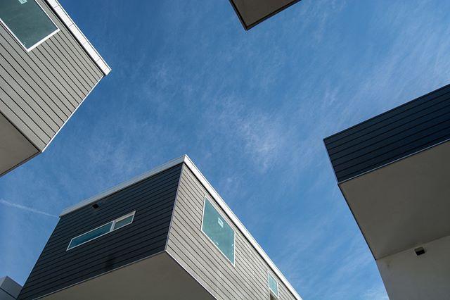 Our Blue Period⠀⠀⠀⠀⠀⠀⠀⠀⠀ .⠀⠀⠀⠀⠀⠀⠀⠀⠀ .⠀⠀⠀⠀⠀⠀⠀⠀⠀ .⠀⠀⠀⠀⠀⠀⠀⠀⠀ #light #architecture #design #newhome #newconstruction #buildersofig #housetour #customhome #custombuilt #interiordesign #instahome #instagood #luxuryhomesla #alyseandjeremy #hyperionsilverlake #virgilvillage #silverlake #losangeles #echopark #atwatervillage #DTLA #lahomesandarchitecture