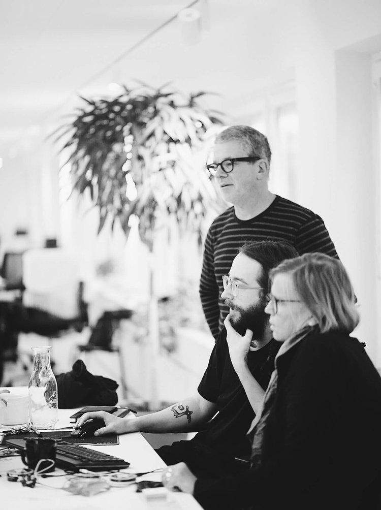 ARBETSGRUPp.  Gustaf Assjer Tham, Marc De Dardel och Annette Lindberg är ansvariga för Hamnträdgårdens arkitektur.