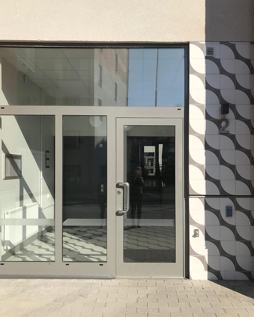 Porslinshusen port med mönster_1000.jpg