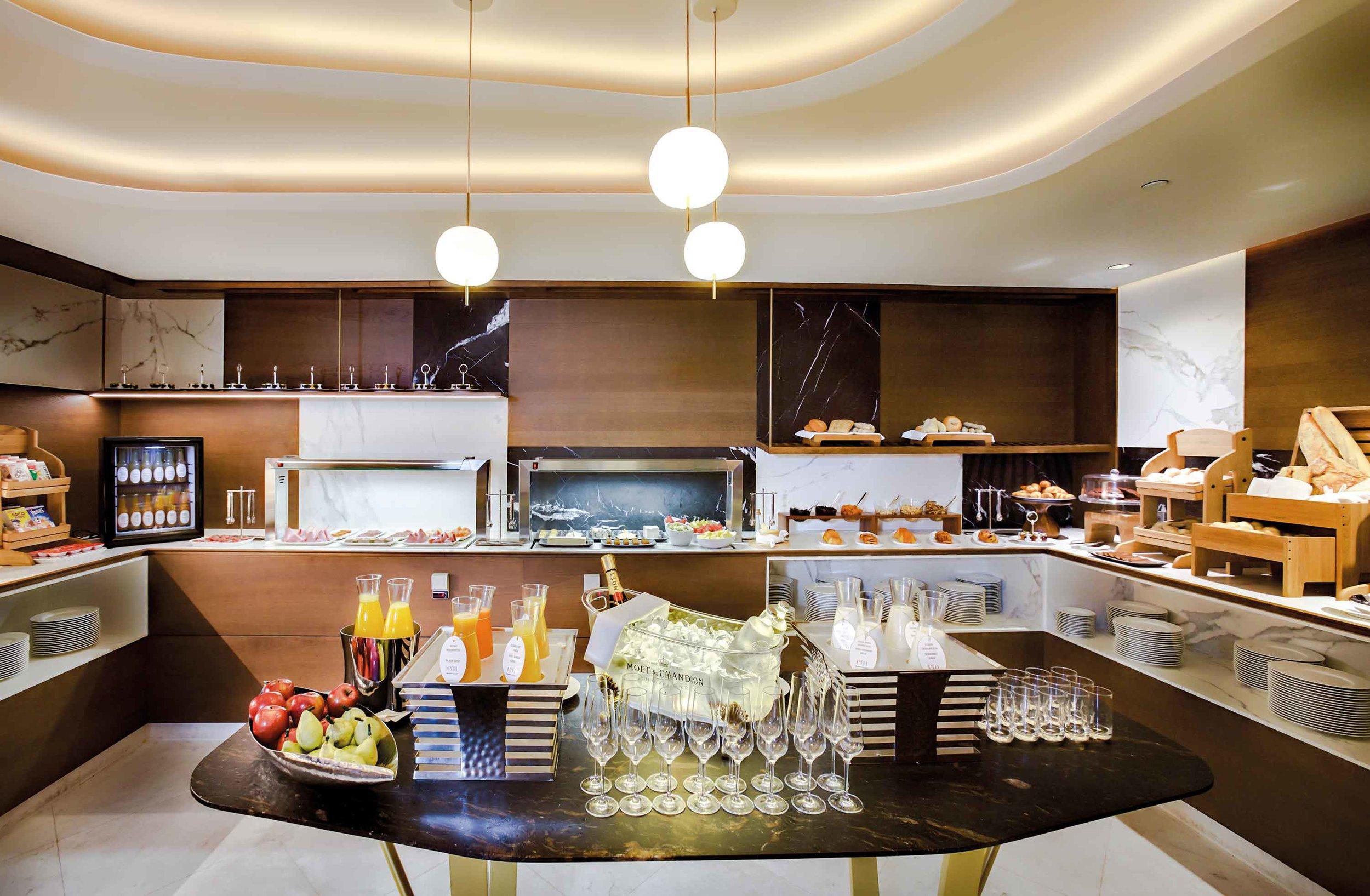 Barcelo-Emperatriz-buffet2.jpg