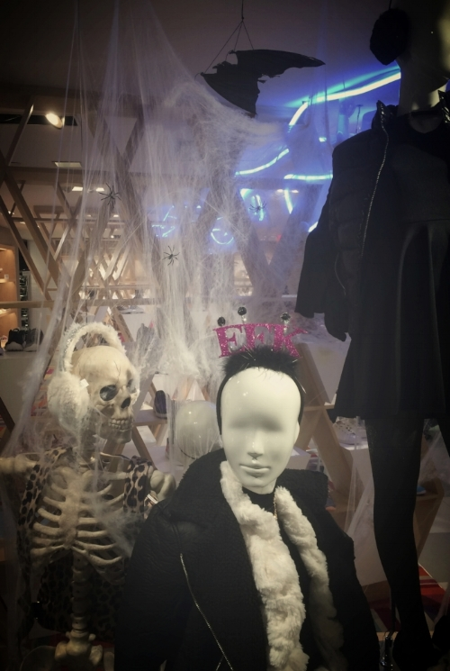 An authentic    momento mori    in Bloomingdales. Check out the way the skeleton is leering at the mannequin decked in its transient earthly goods.