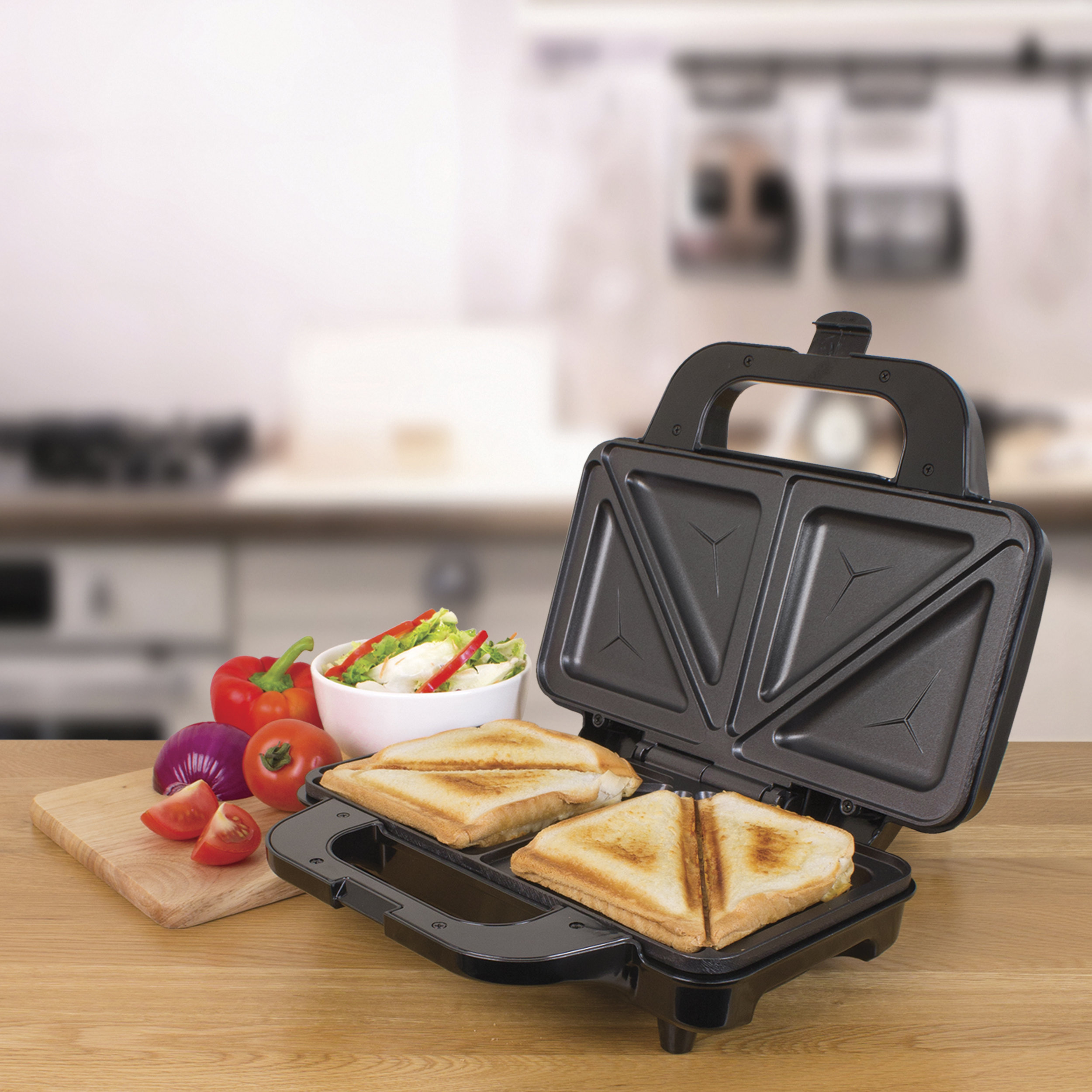 Deep Fill Sandwich Toaster - No oil required, non-stick plates, seal the contents of your sandwich producing the perfect easy to remove toast each time!