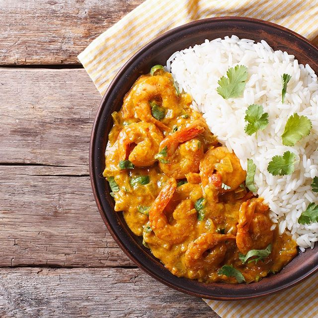 """Did you know? #Korma is a greatly misunderstood #curry. Korma is """"slow cooking or braising"""" rather than meaning a mild curry as it has become accepted in Britain. Get a slow cooker (link in bio) and prepare your best curry during this #nationalcurryweek! 🍛 #instagood #delicius #prawncurry #loveamazon #questappliances #curryweek #slowcooker"""