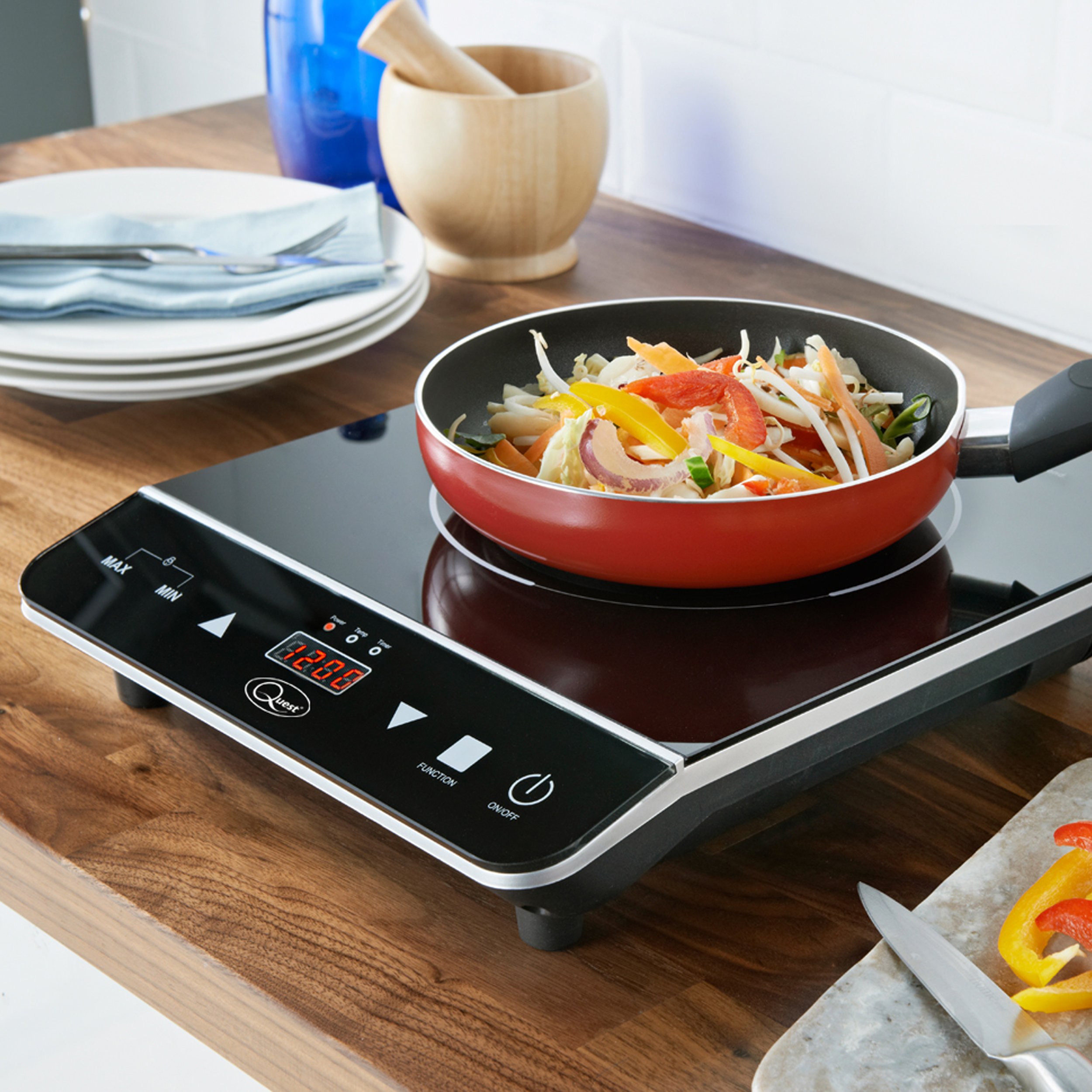 Single Digital Induction Hob cooking vegetables