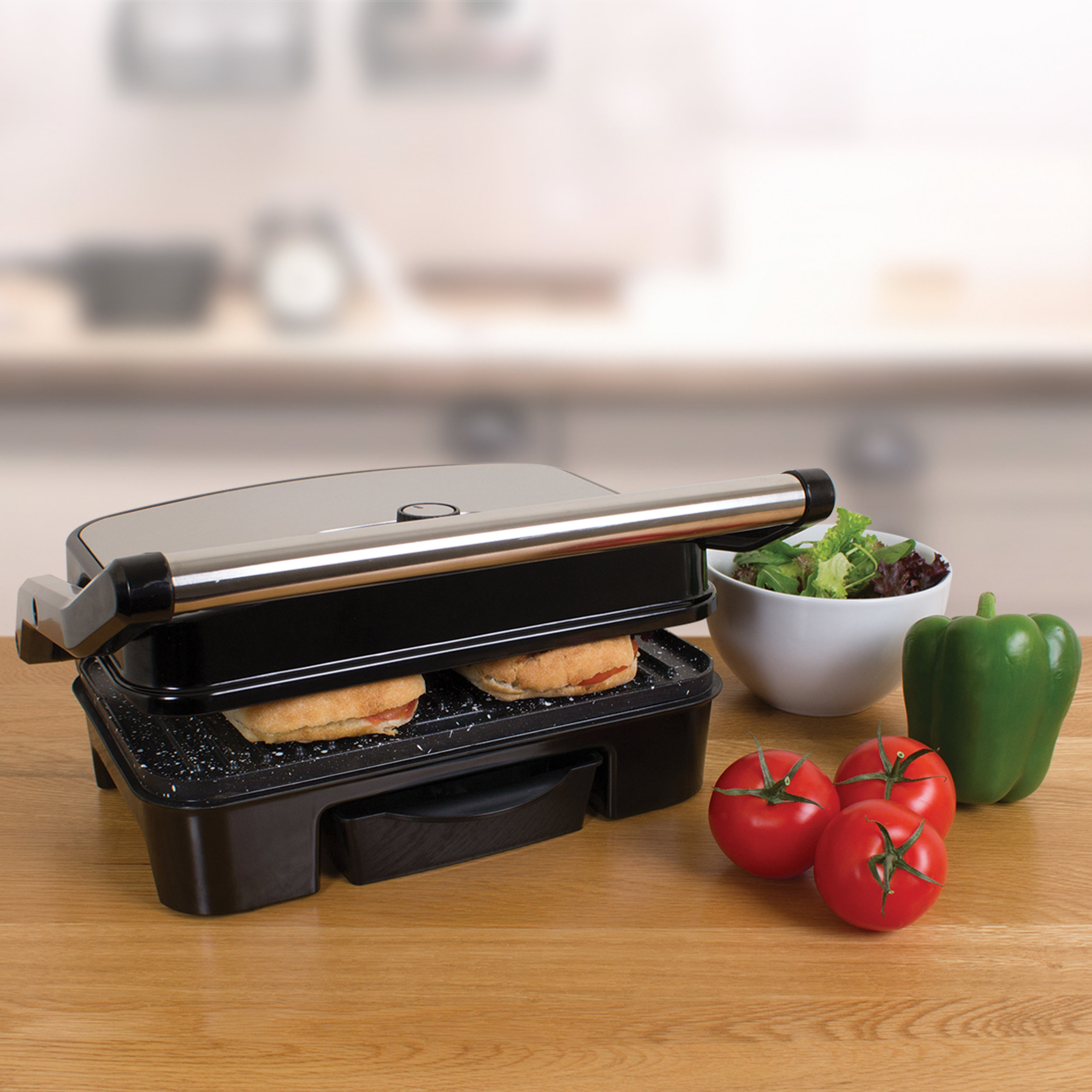 Deluxe Health Grill close grilling paninis