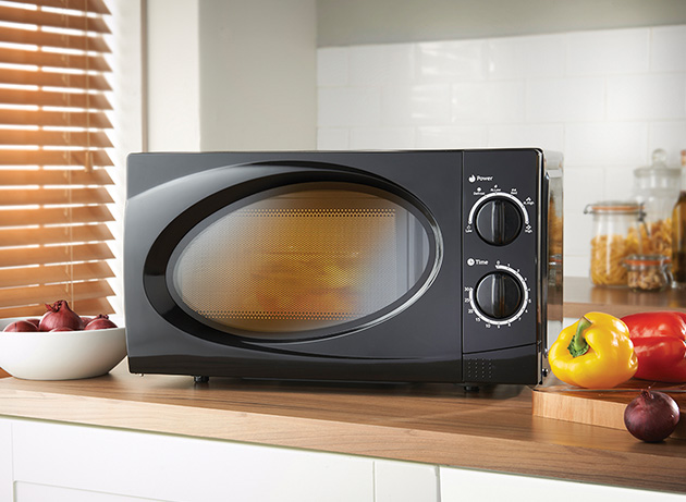 Black 20L Classic Microwave in the kitchen