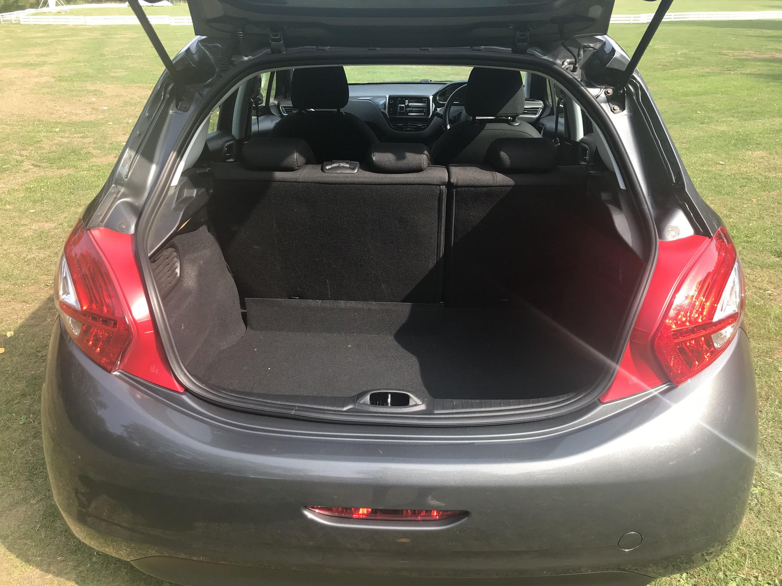 peugeot-208-vti-active-forsale-regalmotion-regalpreowned-usedcar-redditch-bromsgrove-worcestershire-6479-16.jpeg