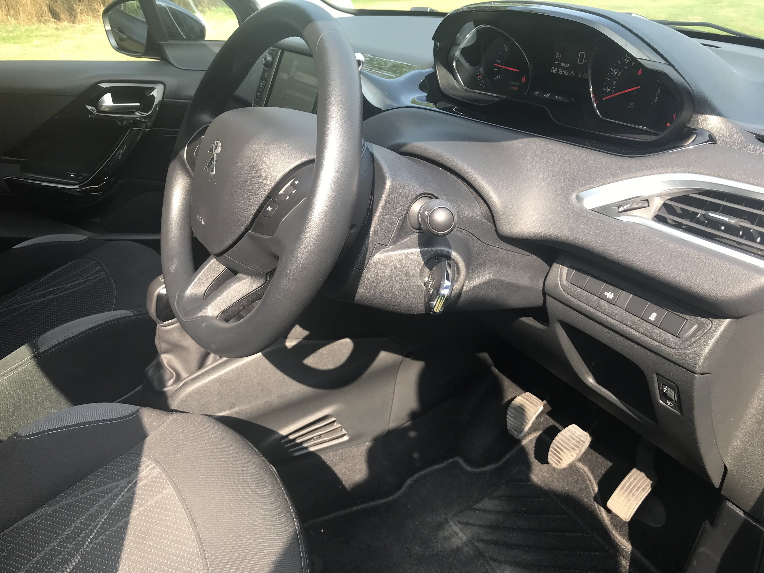 peugeot-208-vti-active-forsale-regalmotion-regalpreowned-usedcar-redditch-bromsgrove-worcestershire-6479-28.jpeg