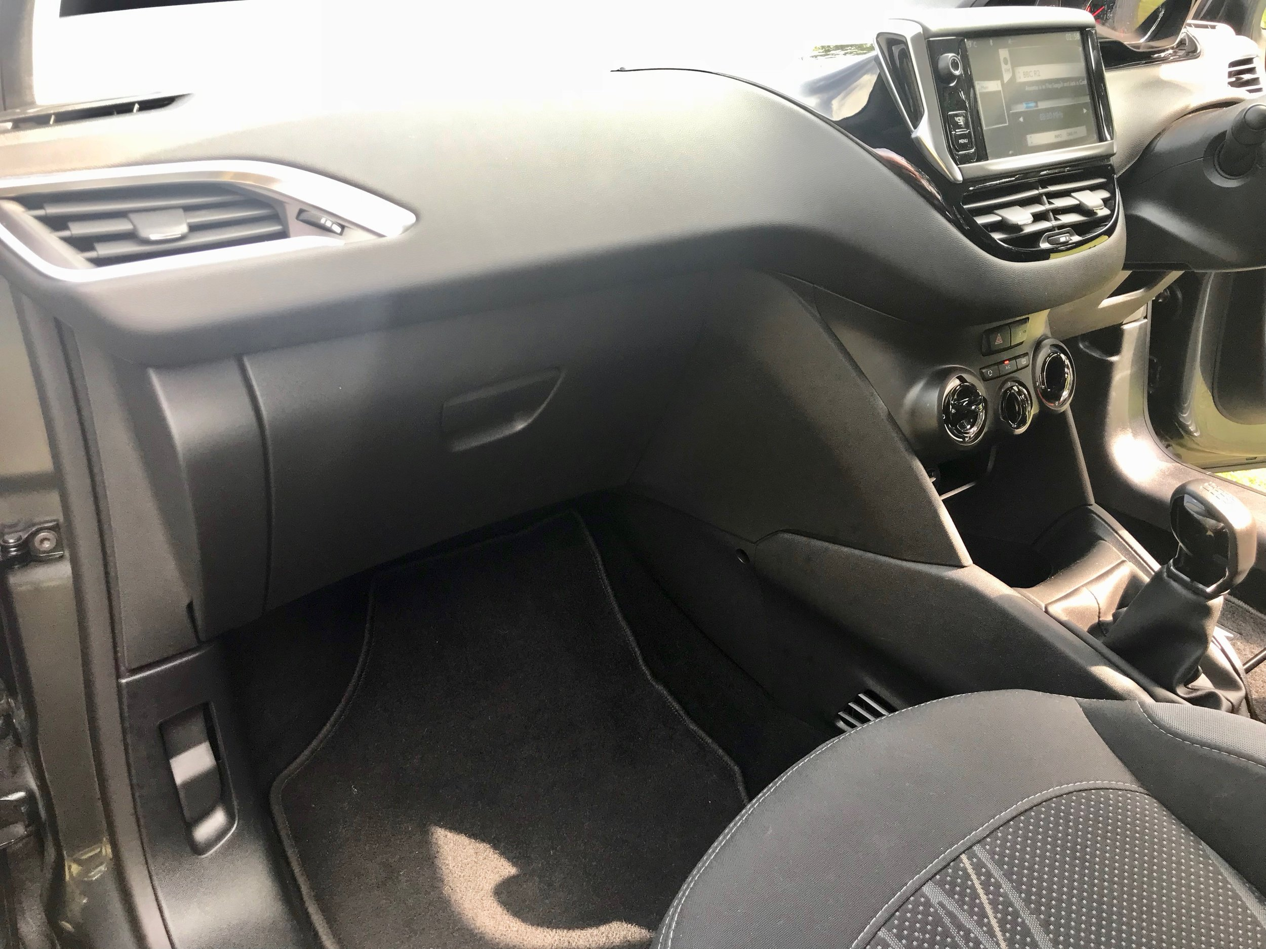 peugeot-208-vti-active-forsale-regalmotion-regalpreowned-usedcar-redditch-bromsgrove-worcestershire-6479-43.jpeg