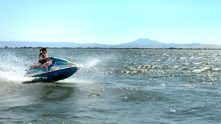 Fast Water Access - Our quick access to fast-moving water is unmatched by any other Marina on the Delta. At Holland Riverside you have the ability to be cruising through fast water within a minute of launching or pushing off from the tock.