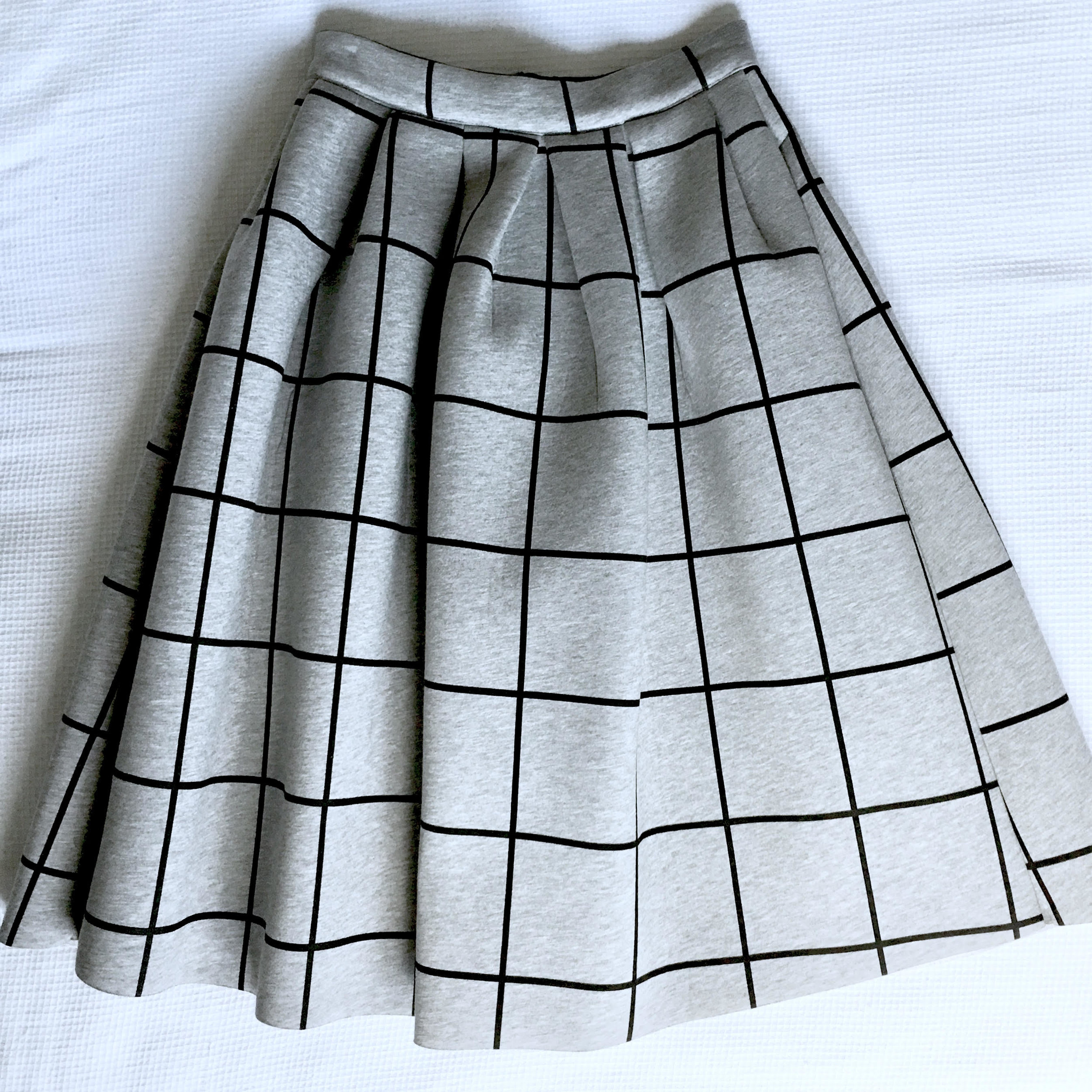 Grey skirt.jpg