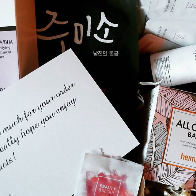 Just received my first order from @beauty_and_seoul! Making it easier to get my hands on Korean skincare and sending fantastic samples with my order? GOOD JOB 👍  #cosrx AHA/BHA Clarifying Treatment Toner #helloskin Jumiso Whoa Whoa Soothing Mask #pyunkangyul Mist Toner #heimish All Clean Balm