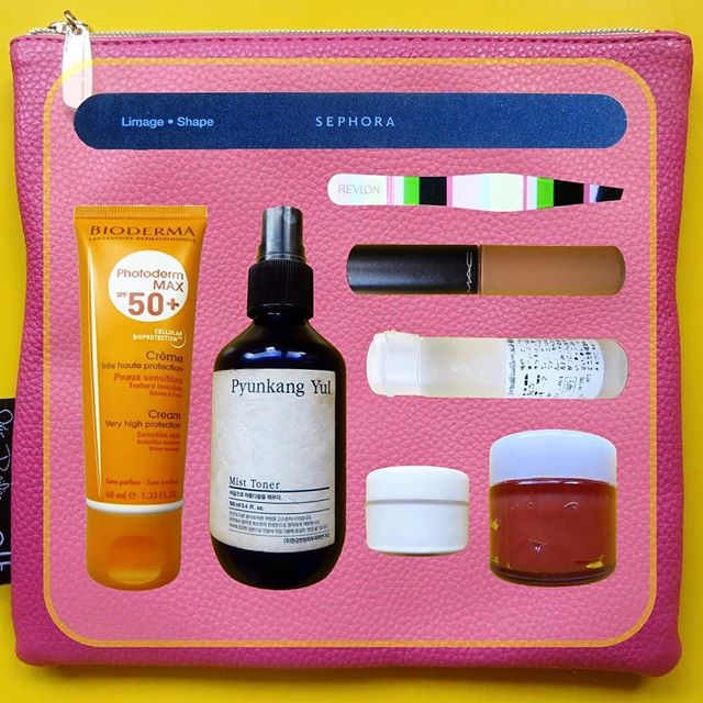 GET YOUR KIT OUT: Skincare On The Go 👇 I never know how my skin will behave when I  leave the house. There are so many things that can turn a good skin day into a bad one - strong sun, strong wind, central heating, air conditioning, food allergies. 👊 So I have a kit of products I always take with me to troubleshoot or do a complete routine if necessary. Here's what's in my kit but tell me what you can't leave the house without! 👌 ▪TWEEZERS: to peel of any flaky skin without disturbing makeup ▪MICELLAR WATER & COTTON PADS: to remove makeup, dry skin or cleanse ▪HYDRATING MIST: for a temporary burst of hydration until you can apply moisturiser ▪MOISTURISERS:whatever floats my boat - serums, oils, lotions, creams, balms ▪LIP BALM:unless it's already covered under Moisturisers ▪SUNSCREEN:for reapplication ▪ANTI-INFLAMMATORY TREATMENT: whether it's a non-steroid or steroid one ▪ANTIHISTAMINE TABLETS:the non-drowsy kind ▪CONCEALER: one as close to skin colour as possible to cover up cover any redness that appears or where makeup has come off ▪COMPACT MIRROR ▪EYE DROPS:a must for me but not necessarily for you ▪NAIL FILE:to file away any sharp edges that could damage skin if I scratch ✋ I have been known to get my kit out at the table in a restaurant - it's easier to do at a table then hovered over a sink with no dry surface to put your bag on. Maybe I shouldn't, but I'd rather take care of myself than care what other people think! 👉 CLOCKWISE IN IMAGE | SEPHORA COLLECTION NAIL FILE • ISAAC MIZRAHI LOVES REVLON TWEEZERS • MAC SELECT MOISTURECOVER CONCEALER •BIODERMA HYDRABIO H2O (DECANTED IN A MUJI FROSTED FLIP TOP BOTTLE) •ELIZABETH ARDEN EIGHT HOUR CREAM (DECANTED IN A MUJI CREAM POT) •LA ROCHE POSAY BAUME B5 (DECANTED) •PYUNKANG YUL MIST TONER • BIODERMA PHOTODERM MAX SPF 50+ CREAM •E.L.F.X IRIS BEILIN MIS AMORES BEAUTY CLUTCH.