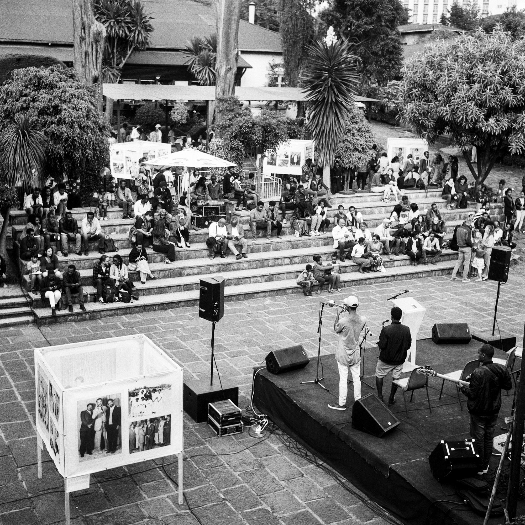Vintage Addis HP5+003-3.jpg