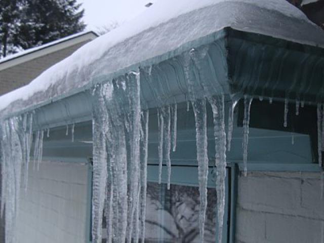 ice-dam-prevention-and-removal-tips.jpg
