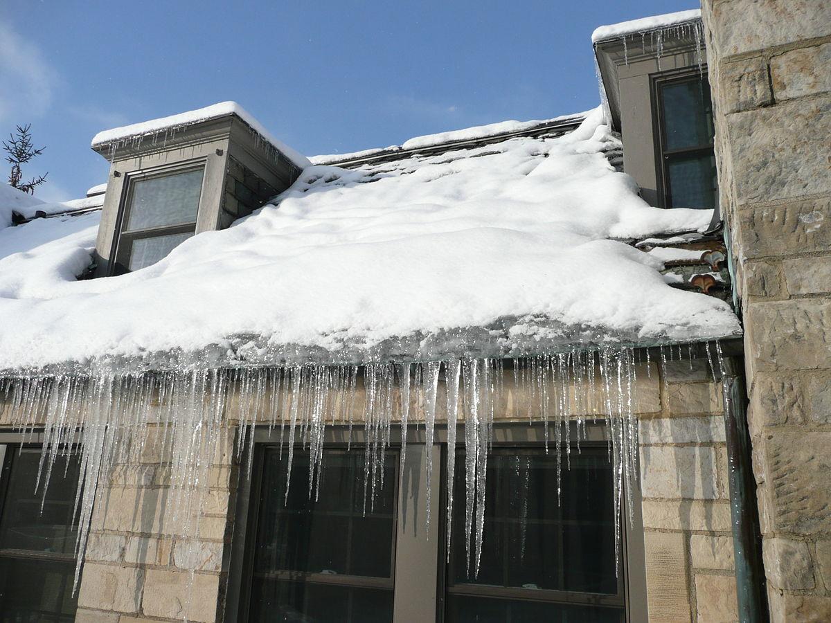 1200px-Ice_dam_slate_roof.jpg