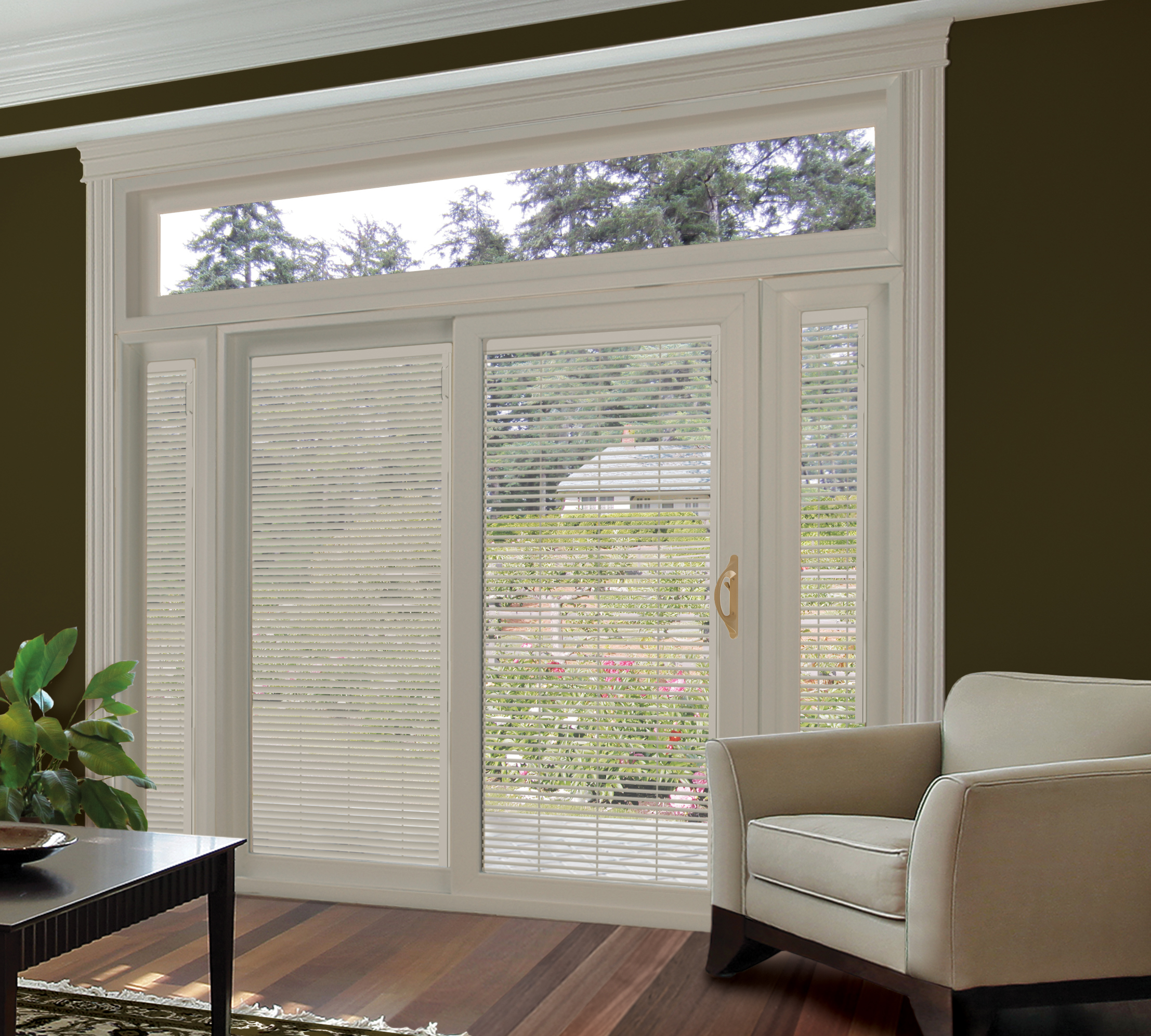 Kingsroyale Glide Room 2 - Living Room green with new miniblinds.jpg