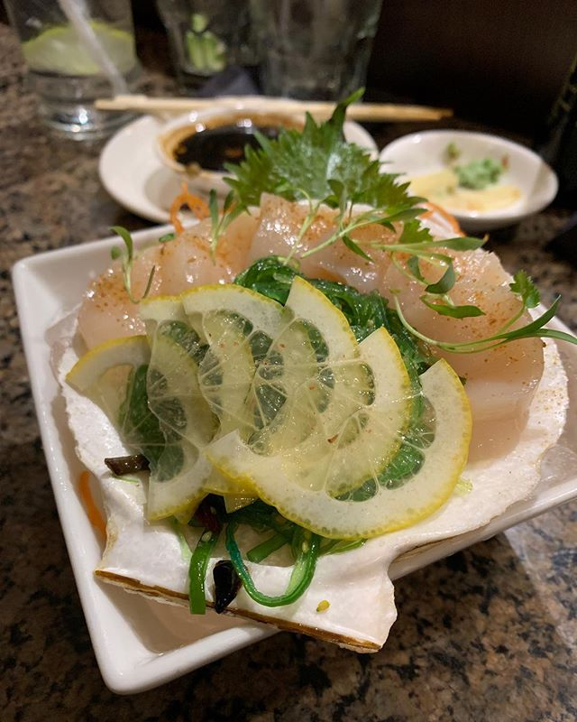 Fabulous meal @oishiidallas last night...first time to try #livescallop and it was sublimely delicious. Also pictured: our faves-the Poke and Cesar rolls, and super fresh #torosashimi. Best 🍣 in Dallas! . . . . . . . #dallaseats #sushi #sushitime🍣 #fishfriday #dallastexas #dallasrestaurants #eat #yum #foodporn #food #dinner #happyhour #datenight #martinis #oishii